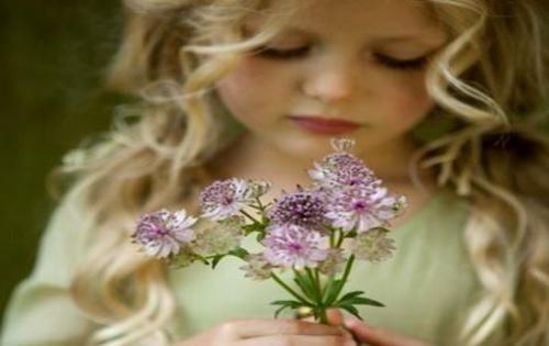 niña-con-flores (Copy)
