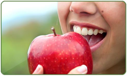La manzana es hipotensora, que la convierte en una buena aliada para rebajar la presión sanguínea en casos de hipertensión.